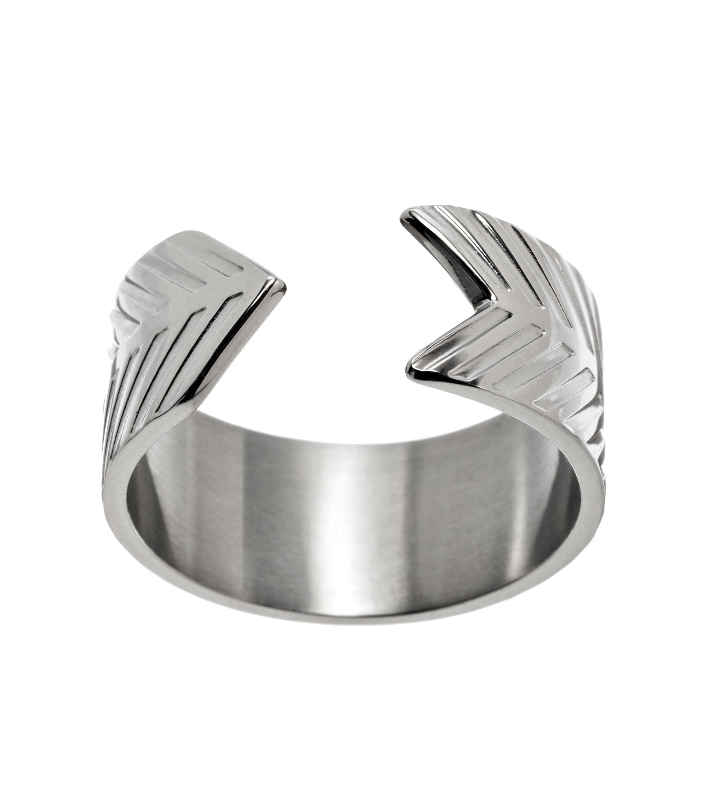 Herringbone Ring Steel - Herringbone är en serie herrsmycken med ett  mönster insprirerat av just fiskben 006c5b0a43840
