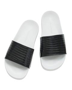 Slipper I Svart Ödlepräglat Läder
