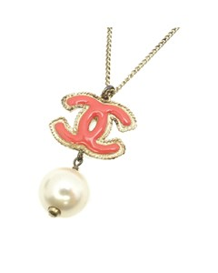 Chanel Cc Faux Pearl Necklace Pink