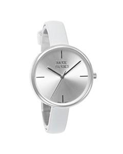 More Stories Horloge Met Een Witte Leren Band