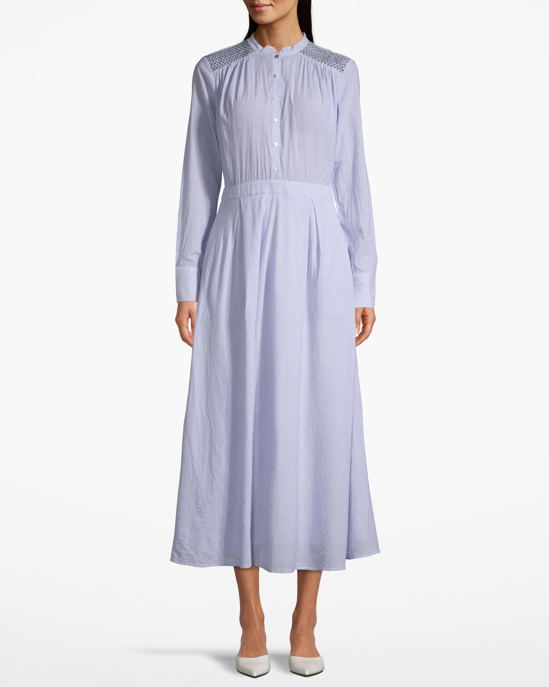 Day Rainfall Dress Powder Blue - Ärmlös plisserad klänning med fina avskärningar. Fodrad. Kemtvätt.