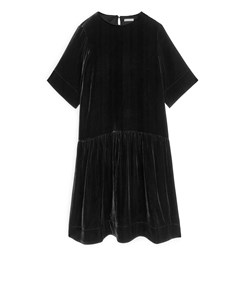 Dropped-waist Velvet Dress Black
