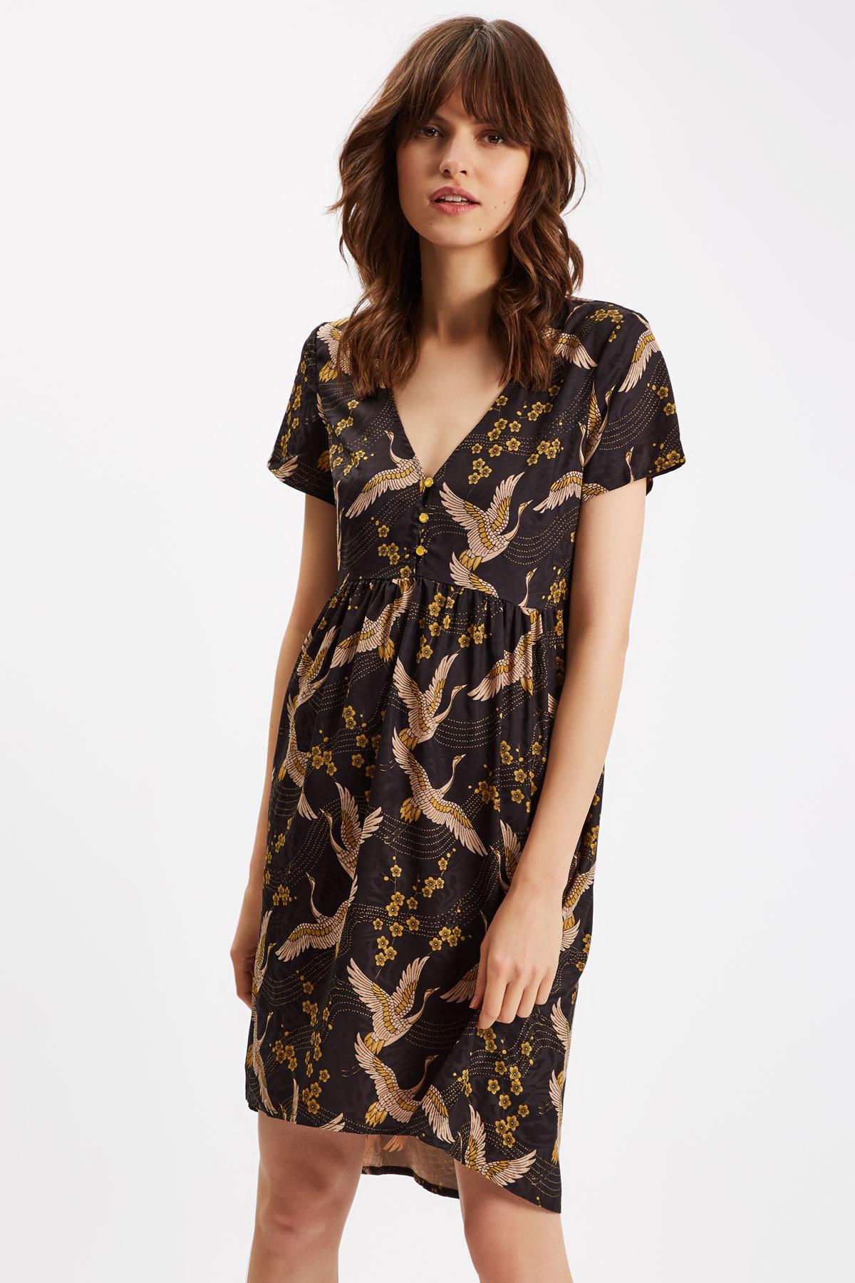 05edfb07e071 Festklänningar Dam | Shoppa Outlet Deals Online | Afound