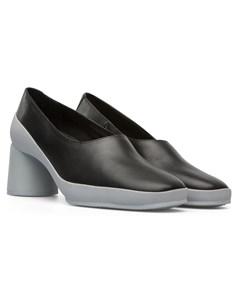 Upright Heels Black