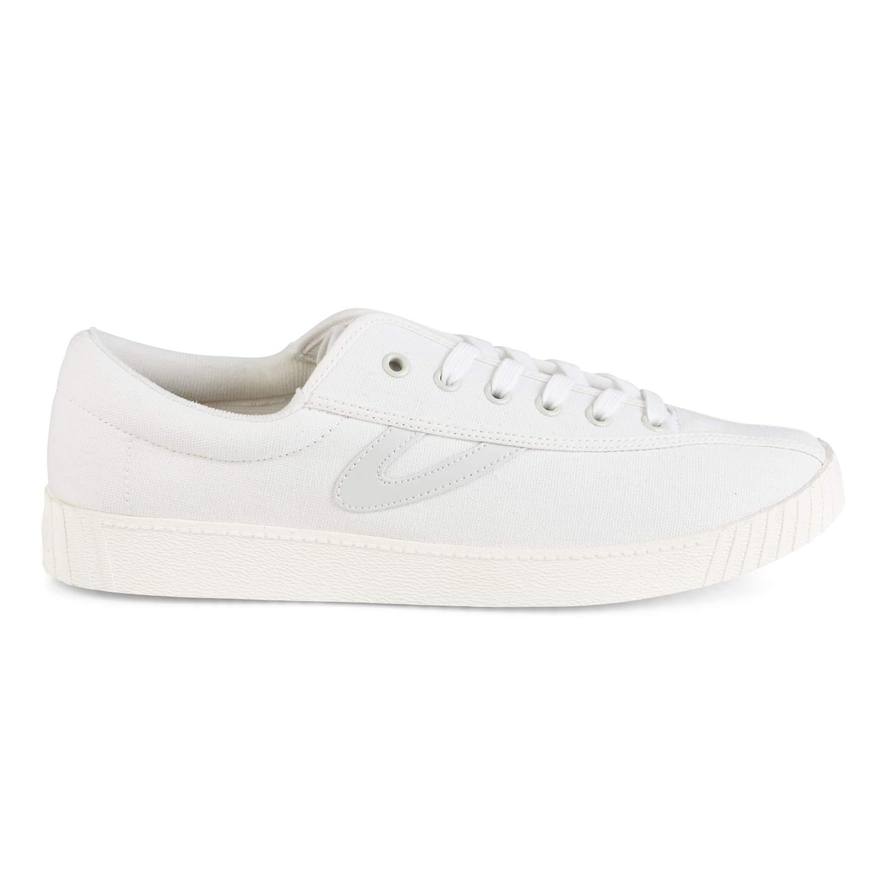 official photos 6cbc1 f2b3d Sneakers Dam   Shoppa Outlet Deals Online   Afound