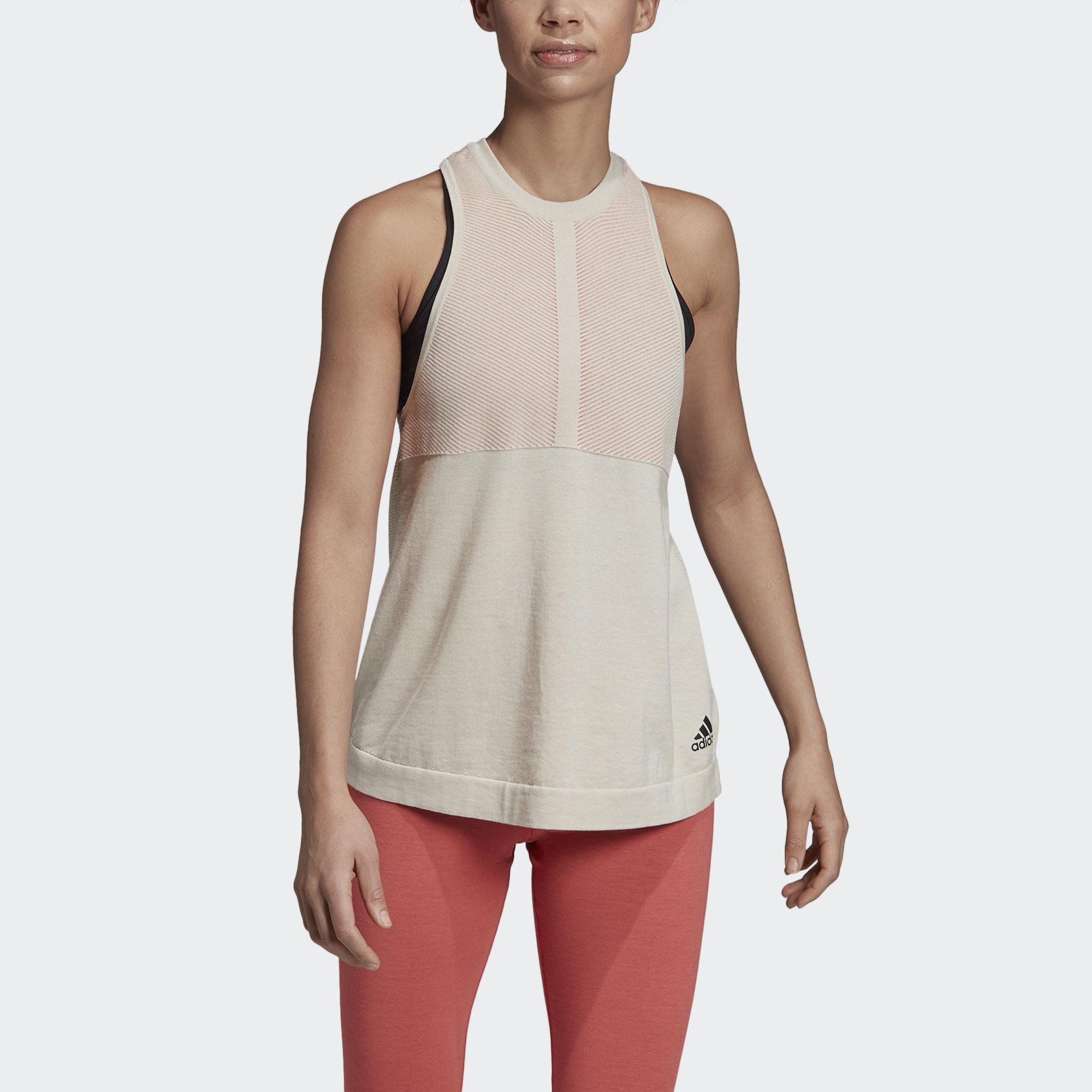 59a7f08e2694 Träningskläder Dam | Shoppa Outlet Deals Online | Afound