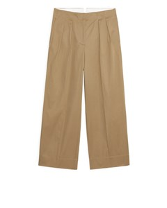 Wide Pleated Trousers Beige
